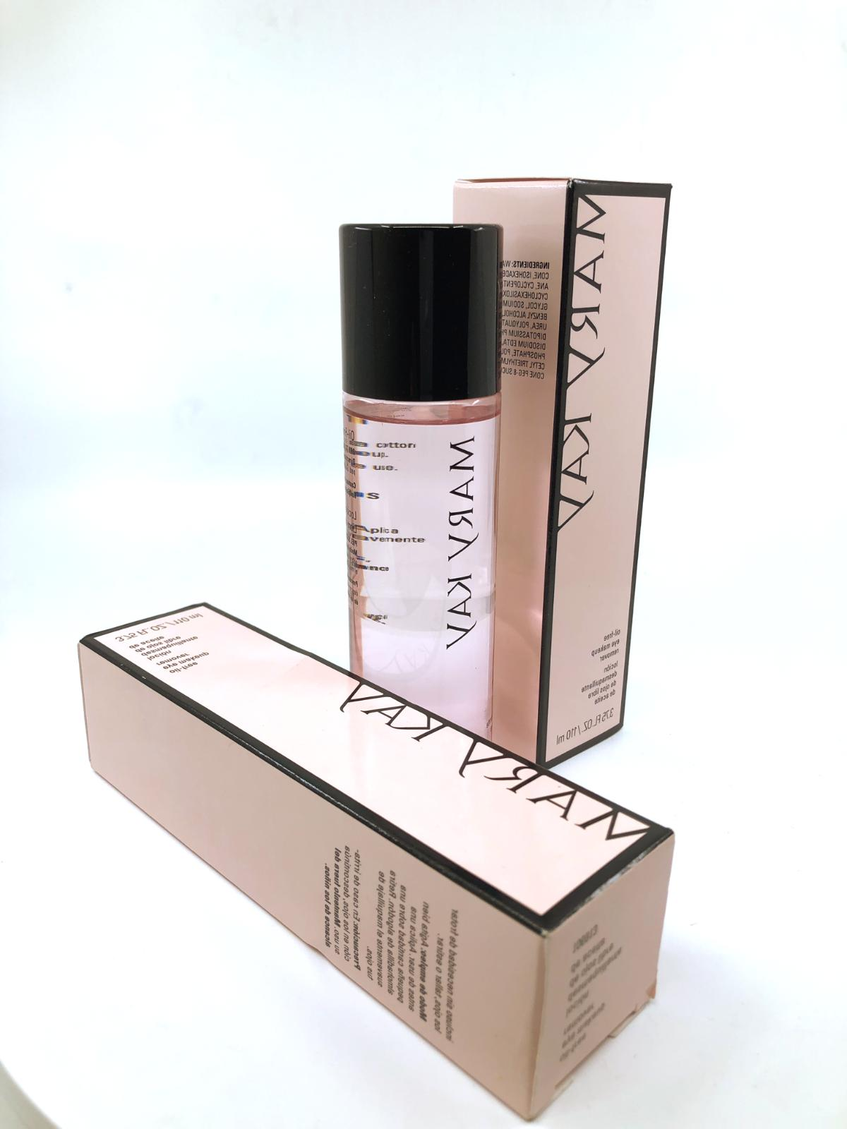 Mary Oil-Free Makeup 3.75